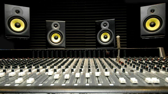DANCE PRODUCER SHARES EDM PRODUCTION TRICKS