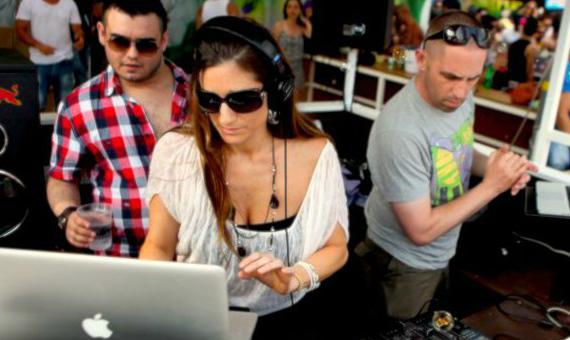 Hammarica.com Daily DJ Interview: Aruna Of Velvetine